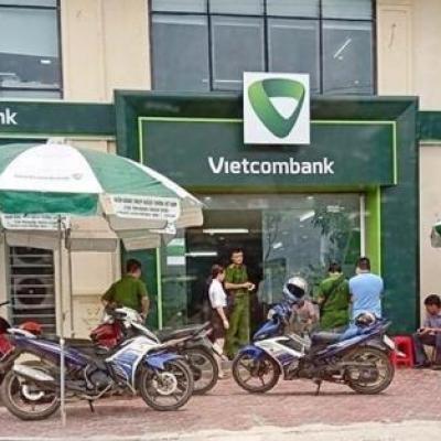 Bảo vệ đối mặt cướp ngân hàng Vietcombank có súng: Sợ nhưng...