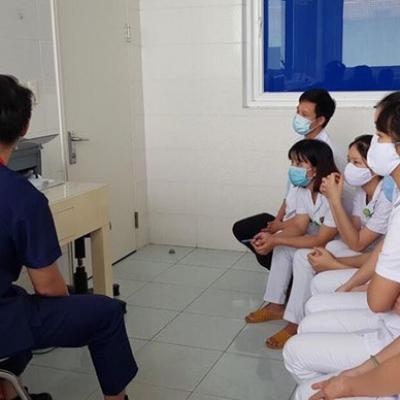Bộ Y tế chi viện chuyên gia điều trị, xét nghiệm cho Huế, Quảng Nam